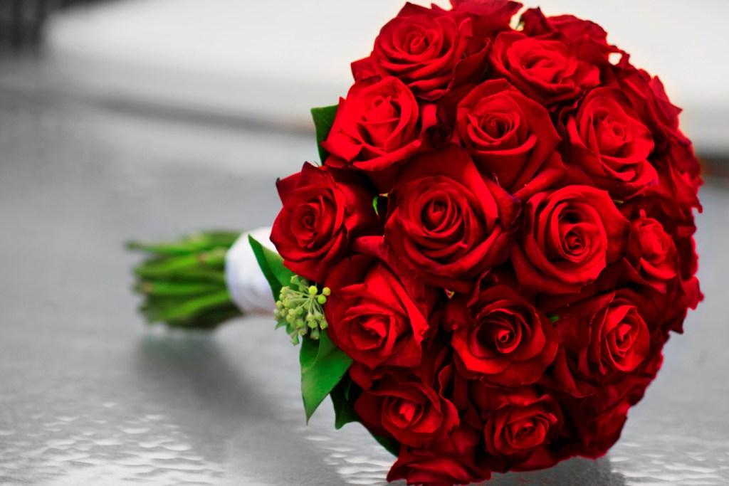 Beautiful-Fresh-roses-bouquet